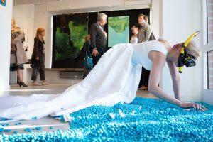 SENSATION, performance na wystawie indywidualnej o tym samym tytule, Pawilon Sztuki Ergo Hestia, 2018